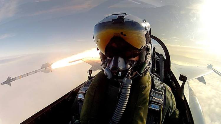 selfie-pilota-caccia-aereo-missile-1