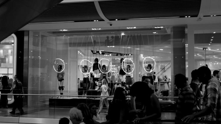 vetrina-nel-centro-commerciale-Westfield-al-parco-olimpico-di-Stratford-foto-Martina-Federico1